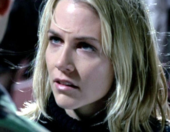 "Heather Chase - ""How can you do this ?"" - Alien Siege"