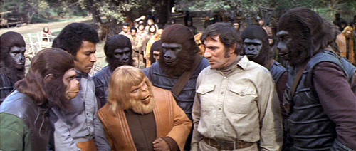 Apes and Humans live in harmony - Battle for the Planet of the Apes