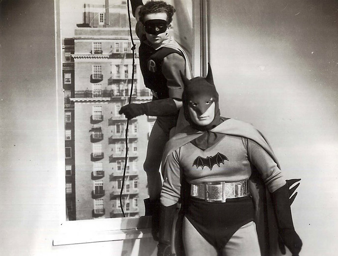 Photo de 'Batman' - ©1943 Columbia Pictures Corporation - Batman (Batman) - cliquez sur la photo pour la fermer
