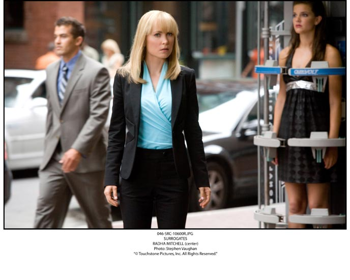 Photo de 'Clones' - ©Touchstone Pictures Photo: Stephen Vaughan - Clones (Surrogates) - cliquez sur la photo pour la fermer