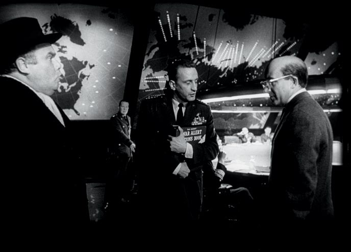 Photo de 'Dr. Folamour' - ©1964 Columbia Pictures - Dr. Folamour (Dr. Strangelove or: How I Learned to Stop Worrying and Love the Bomb) - cliquez sur la photo pour la fermer