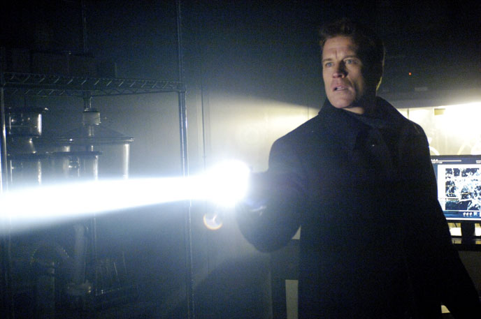 Photo de 'Fringe' - © Warner Bros Entertainment Inc - Fringe (Fringe) - cliquez sur la photo pour la fermer