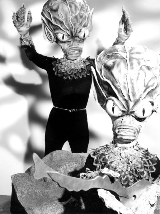 Photo de 'Invasion of the Saucer Men' - ©1957 Columbia Tristar - Invasion of the Saucer Men (Invasion of the Saucer Men) - cliquez sur la photo pour la fermer