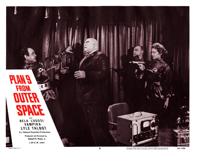 Photo de 'Plan 9 From Outer Space' - ©1959 Reynolds Pictures - Plan 9 From Outer Space (Plan 9 from Outer Space) - cliquez sur la photo pour la fermer