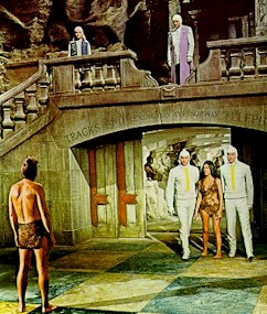 John Brent is discovering a new people - Beneath the Planet of the Apes (Beneath the Planet of the Apes)