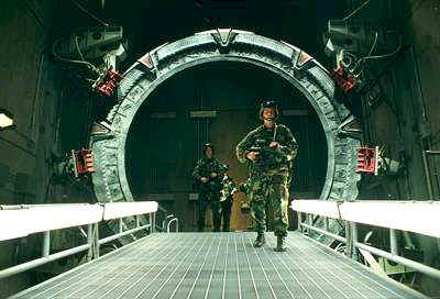 "Soldiers ahead the Stargate (episode ""Solitudes"") - Stargate SG-1"