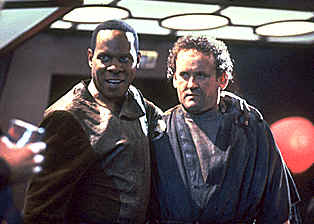 "Picture from episode ""Crossover"" - Star Trek: Deep Space Nine"