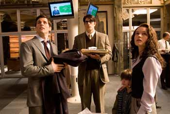 Lois Lane fiance Richard White along with Clark Kent, Lois son Jason and Lois herself work after hours at the Daily Planet - Superman Returns
