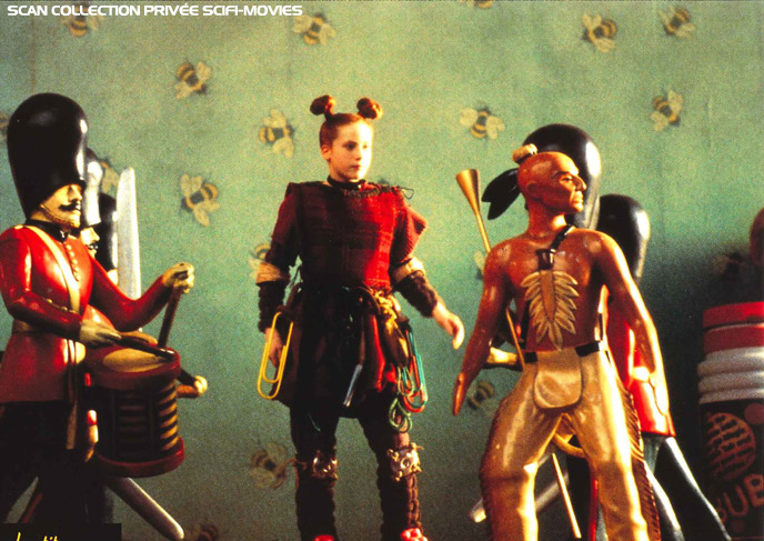 Photo de 'Le petit monde des Borrowers' - ©1997 Polygram Filmed Entertainment - Le petit monde des Borrowers (The Borrowers) - cliquez sur la photo pour la fermer