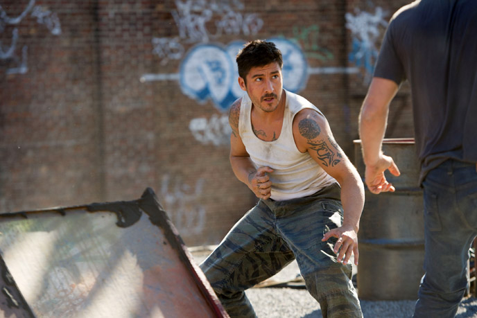 Photo de 'Brick Mansions' - ©2013 Europacorp - Brick Mansions (Brick Mansions) - cliquez sur la photo pour la fermer